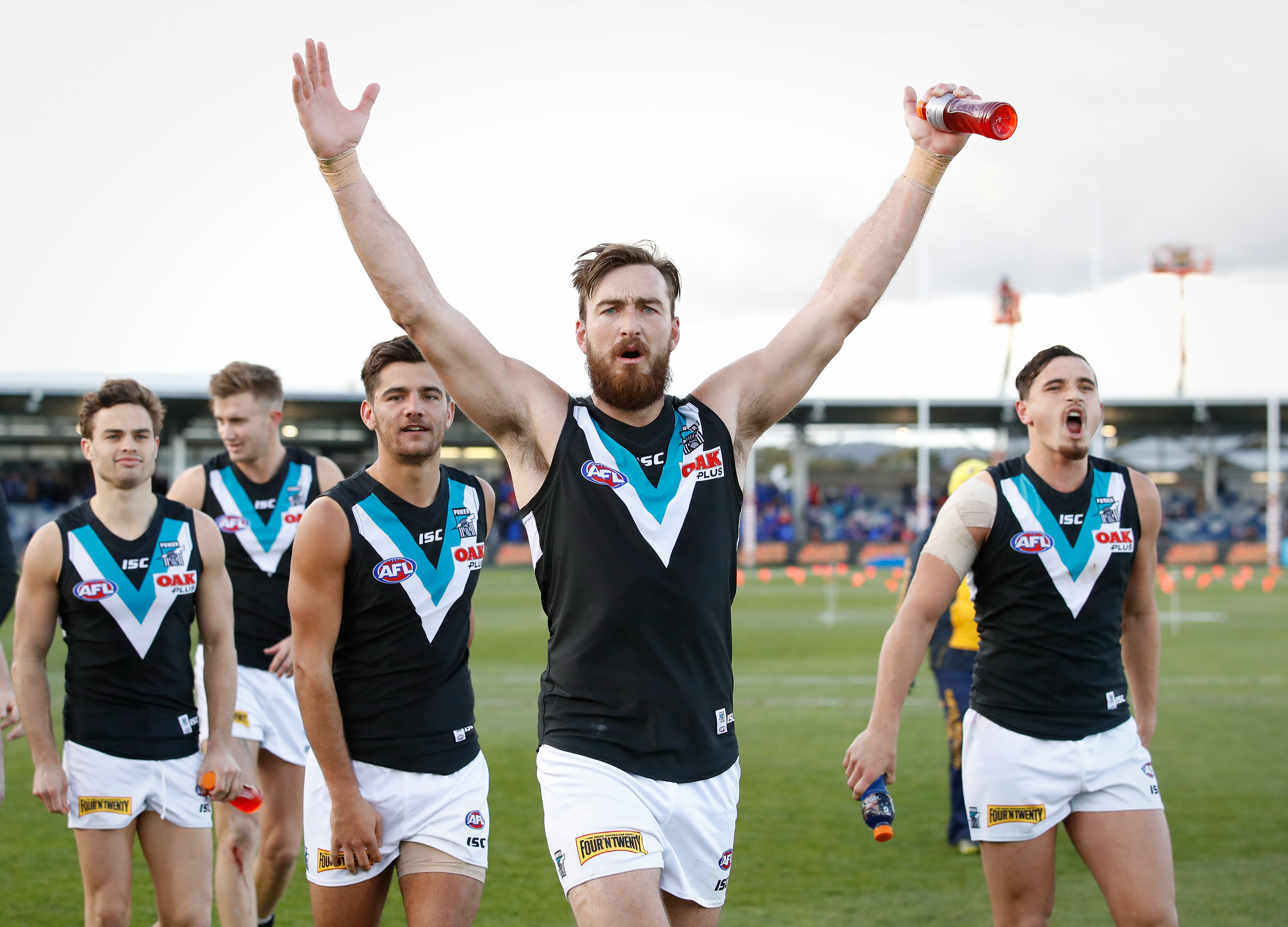 BALLARAT, AUSTRALIA - AUGUST 19: Charlie Dixon of the Power thanks fans during the 2017 AFL round 22 match between the Western Bulldogs and the Port Adelaide Power at Mars Stadium on August 19, 2017 in Ballarat, Australia. (Photo by Adam Trafford/AFL Media)